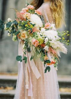 Cascading romantic bridal bouquet | Antonova Kseniya Photography | see more on: http://burnettsboards.com/2015/12/romantic-bridal-session/