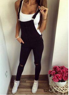 Ideas para combinar overoles esta temporada http://beautyandfashionideas.com/ideas-combinar-overoles-esta-temporada/ Ideas for matching overalls this season #Fashion #Fashiontips #Ideasparacombinaroverolesestatemporada #Moda #Outfits #overall #overoles #Tipsdemoda
