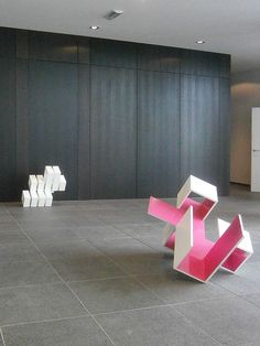 Brantt - Prison-Cube-20, 60 x 60 x 72,5 cm.;  Magenta-30/120.90.90, 120 x 90 x 90 cm., high gloss paint on MDF,  IFMA, Aalst (be)