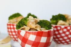 Broccoli chicken mac and cheese via Life With the Champions | A Wedding, Fitness, Food & Lifestyle Blog