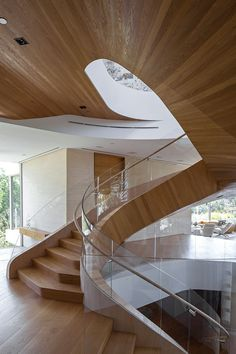 A Massive Los Angeles House by Hagy Belzberg and Delta Wright Residential Interior Design, Contemporary Interior, Interior Architecture, Interior And Exterior, Stairs And Staircase, Spiral Staircases, Railing Design, Stair Design, Modern Stairs