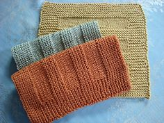 Ravelry: Dishcloth pattern by Debbie Bliss Knitted Washcloth Patterns, Knitted Washcloths, Dishcloth Knitting Patterns, Crochet Dishcloths, Knit Or Crochet, Knit Patterns, Easy Knitting, Loom Knitting, Knitting Projects