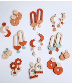 Diy Earrings Polymer Clay, Cute Polymer Clay, Fimo Clay, Polymer Clay Projects, Polymer Clay Charms, Resin Crafts, Diy Jewelry Projects, Handmade Wire Jewelry, Clay Ideas
