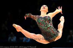 Ganna Rizatdinova (Ukraine) won gold in ribbon finals at World Cup (Espoo) 2016