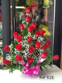 altar flowers for deacon - Bing images Altar Flowers, Unique Flowers, Fall Flowers, Beautiful Flowers, Valentines Day Gif Images, Valentines Gift Box, Floral Wedding, Wedding Flowers, Modern Flower Arrangements