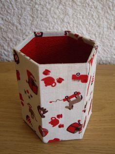 Cartonnage : pot à crayons enfant hexagonal