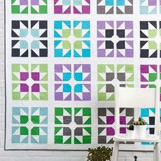 Reach for the stars Take a closer look at this Shattered Stars Quilt and make your own with the pattern from in Issue 51 of Love Quilting Magazine Modern Quilt Blocks, Star Quilt Blocks, Star Quilt Patterns, Modern Quilt Patterns, Star Quilts, Modern Quilting, Patchwork Quilting, Quilting Projects, Quilting Designs
