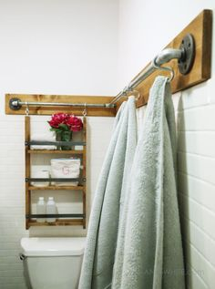 DIY pipe wood organizer hang stuff off the walls S hooks towels bar industrial farmhouse style cute free plans tutorial ANA-WHITE. Pipe Furniture, Bathroom Furniture, Furniture Plans, Painted Furniture, Industrial Furniture, Ana White Furniture, Bathroom Interior, Kitchen Furniture, Bathroom Storage