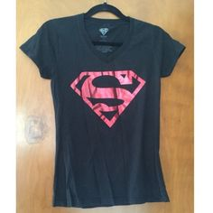 Superman tee shirt Only worn a couple times. Like new. 100% cotton. Brand is DC Comics, but I think I bought it at Hot Topic. Hot Topic Tops Tees - Short Sleeve