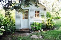 So sweet! perfect potting shed/studio/shed! A Country Farmhouse: Farmhouse Renovation Garden Cottage, Cozy Cottage, Cottage Style, Backyard Cottage, White Cottage, Backyard Studio, Garden Studio, Farmhouse Renovation, She Sheds