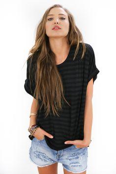 Schwarz-grau gestreiftes T-Shirt mit lässigen Ärmeln/ oversize shirt with stripes in black and grey made by  Shoko via DaWanda.com