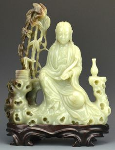 A Chinese Jade Model of Guanyin : Lot 175, auction 5/31
