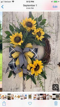 BEST SELLER Sunflower wreath, Summer wreaths for front door, Year round wreath, Fall wreaths - Deko Herbst Easy Fall Wreaths, Summer Door Wreaths, Holiday Wreaths, Wreath Fall, Spring Wreaths, Winter Wreaths, Double Door Wreaths, Deco Mesh Wreaths, Yarn Wreaths
