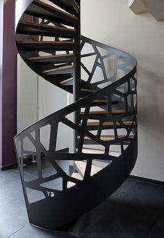 Yves Deneyer - Menuiserie métallique - Ferronnerie Spiral Staircase Outdoor, Spiral Stairs Design, Railing Design, Stair Railing, Staircase Design, Design Loft, Stair Design, Metal Stairs, Modern Stairs