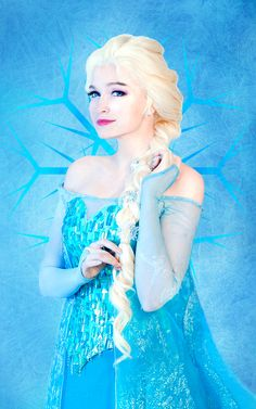Queen Elsa Cosplay Is Icy And Lovely