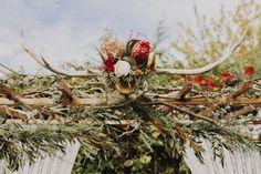 Editorial de moda nupcial de Mi Boda Rocks y Blog Mi Boda. Fotografia de Luis Tenza -> http://blogmiboda.es/2015/11/wild-christmas-editorial-mi-boda-rocks.html  #editorial #shooting #weddinginspiration #weddingplanner #weddingdeco #wildchristmas #deerdeco #deerwedding #forestwedding #rosaclara #weddingdress #terrarios #protea #terrarium #ciervos #boda #decoracion #vestidodenovia #blogdebodas #blogmiboda #mibodarocks #weddingmagazine #weddingphotography #fotografiaboda #protea