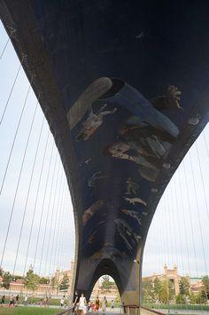 Daniel Canogar en el Puente de Madrid Río. Madrid.  #ArteUrbano #StreetArt #Arterecord 2014 https://twitter.com/arterecord
