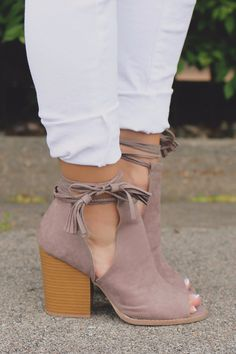 Vegan Suede Cut Out Shaft Peep Toe Booties barnes-35A – UOIOnline.com: Women's Clothing Boutique