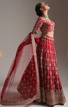 Lehenga Pattern, Petite Bride, Lehenga Skirt, Blouse Neck Designs, Indian Designer Outfits, Petite Women, Complete Outfits, Bridal Lehenga, Short Girls