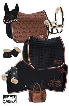 Eskadron Heritage BlackBlue – Copper Eskadron Heritage BlackBlue – Copper, – Art Of Equitation Equestrian Boots, Equestrian Outfits, Equestrian Style, Equestrian Fashion, Eskadron Heritage, English Horse Tack, Horse Fashion, Horse Accessories, English Riding