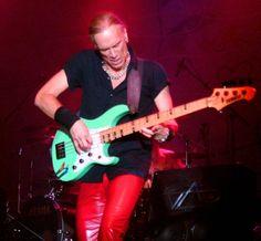 Billy Sheehan, great bass player.