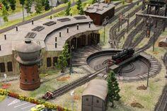 Diorama, Model Railway Track Plans, European Models, Train Table, Electric Train, Model Train Layouts, N Scale, Model Trains, Railroad Tracks