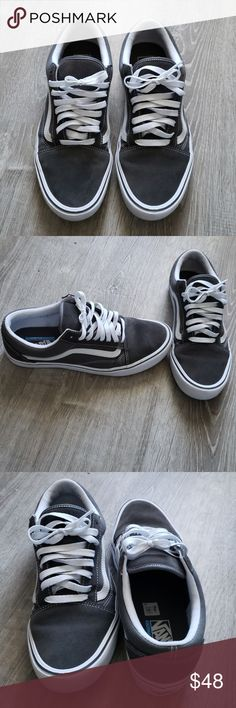 3d5a7fd29a217c Men Old Skool Lite Vans Shoe Gently worn a few time. Almost like new  conditions