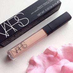 """@narsissist Radiant Creamy Concealer in 'Vanilla'! This concealer is AMAZING!! """
