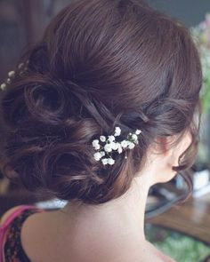 """""""You don't have to have an elaborate #headdress for your wedding....a few sprigs of gypsophila added the perfect finishing touch to this updo that I…"""""""