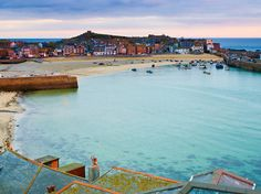 St Ives, Cornwall - Ten seaside towns to visit this summer - top seaside uk spots - Time Out London Seaside Uk, British Seaside, Seaside Towns, Seaside Hotels, Devon And Cornwall, Cornwall England, London England, Cornwall Beaches, Visit Uk