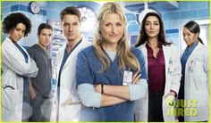 Emily Owens M.D. Cast Kelly Mccreary, Mamie Gummer, Medical Series, Female Heroines, Justin Hartley, Playing Doctor, Star Actress, Cw Series, Drama Series