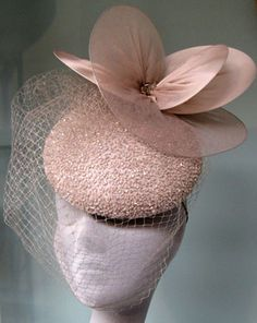 Duchess Kate nude beaded cocktail hat by Milliner Jane Taylor The hat features a birdcage veil with a disc trim  790.00£