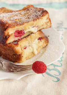 White chocolate and raspberry french toast 37 Delicious White Chocolate Recipes