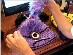 Knitting Patterns Beanie How to Make Evil Minion Hair on a Crocheted Beanie Minion Crochet, Kawaii Crochet, Crochet Kids Hats, Crochet Beanie, Knitted Hats, Minion Pattern, Hair Yarn, Crochet Character Hats, Purple Minions
