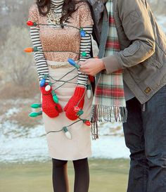 great idea for a holiday card or winter engagement session.