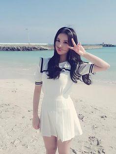 EUNHA South Korean Girls, Korean Girl Groups, Sexy Dresses, Short Sleeve Dresses, Gfriend Yuju, G Friend, Beautiful Asian Girls, Asian Woman, Girl Photos