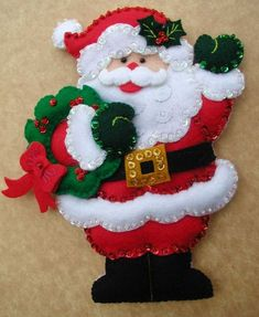 Bordados Oma - Porta Cubiertos Sra Noel Christmas Kiss, Christmas Themes, Christmas Stockings, Christmas Crafts, Christmas Decorations, Xmas, Christmas Ornaments, Holiday Decor, Felt Ornaments