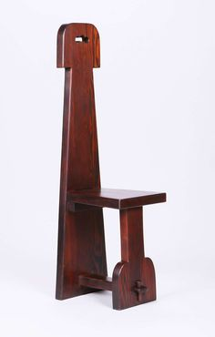 California Arts & Crafts douglas fir hall chair with plank seat and tenon & key construction. Recycled Furniture, Handmade Furniture, Wood Furniture, Furniture Design, Mission Furniture, Craftsman Furniture, Kitchen Step Stool, Japanese Joinery, Medieval Furniture