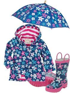 Hatley Raincoat with Summer Garden Print. #hatley #raingear #raincoat #rainboots #unmbrella #girls #cuteraingear