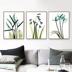 Canvas prints for wall decor, wall designs, wall art and gallery wall layout (One canvas). Gallery Wall Layout, Art Gallery, Flower Canvas, Wall Art Prints, Canvas Prints, Belle Photo, Wall Design, Design Art, Home Interior Design