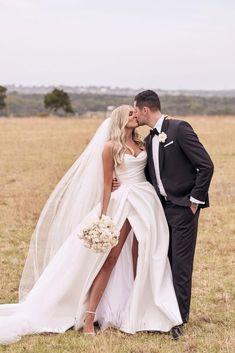 Wedding Dress With Veil, White Wedding Dresses, Bridal Dresses, Wedding Gowns, Timeless Wedding Dresses, Julia Konrad, One Day Bridal, Top Wedding Photographers, Bridal Looks