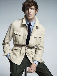Perhaps the ultimate piece of summer outerwear, the safari jacket has successfully migrated from its military roots, passed through the bush and now nests happily in the city. Mens Summer Jackets, Military Fashion, Mens Fashion, The Fashionisto, Safari Jacket, Mode Style, Men's Collection, Menswear, Field Jackets