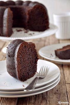 Ονειρεμένο κέικ σοκολάτας με γιαούρτι Chocolate Bundt Cake, Chocolate Sweets, Sweets Recipes, Candy Recipes, Desserts, Chocolate Greek Yogurt, Cooking Cake, Think Food, Just Cakes