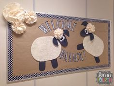 Are you like me, always searching for back to school bulletin boards for your classroom? Check out this post to get three DIY ideas for September! Farm Bulletin Board, September Bulletin Boards, Hallway Bulletin Boards, Welcome Bulletin Boards, Christian Bulletin Boards, Halloween Bulletin Boards, Interactive Bulletin Boards, Reading Bulletin Boards, Winter Bulletin Boards