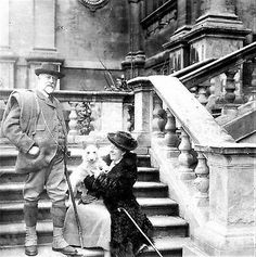 Lord and lady Middleton 1912 at Wollaton Hall. Nottingham City, History Photos, Old Pictures, Family History, The Past, London, Park, Royalty, Couple