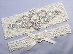 Hey, I found this really awesome Etsy listing at https://www.etsy.com/es/listing/159922672/ivory-bridal-garter-set-crystal