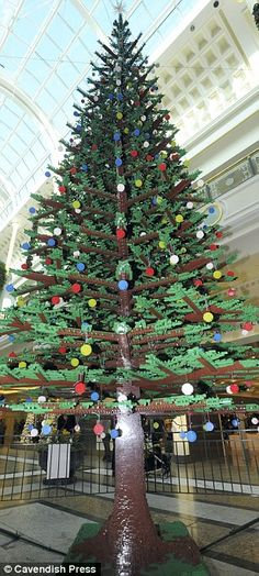 LEGO tree with 108 branches made of 350,000 bricks