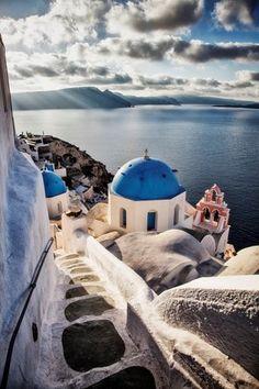 Footpath leading to blue domes, Oia, Santorini, Greece