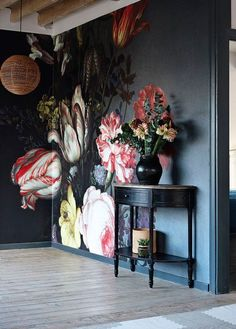 Bold floral wall mural on black background - dark and moody florals and unusual wallpaper are two of our top interior design trends of Read our feature for more ideas. Interior Design Tips, Interior Inspiration, Luxury Interior, Design Inspiration, Interior Styling, Color Interior, Retail Interior, Interior Plants, Interior Designing