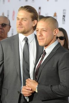 Everything Charlie: Photo charlie hunnam and theo rossi